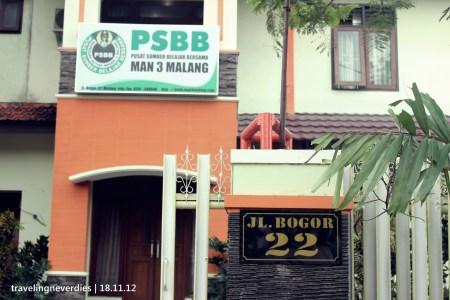 Ada di Jl. Bogor No. 22 Malang Telp/Fax 0341-588048