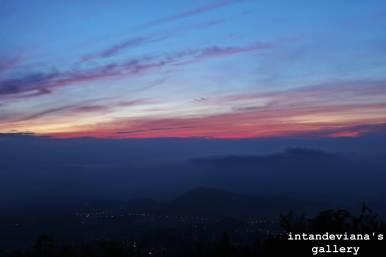 Matahari pagi dari Pos 1