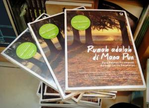 Dapatkan di toko buku Gramedia terdekat, ya!