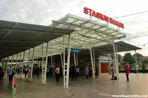 Tempat pemberhentian commuter line