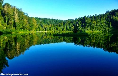 Cantik kan danaunya?