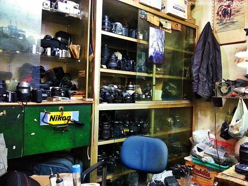 Salah satu toko servis kamera