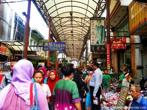 Ruas jalan Pasar Baru